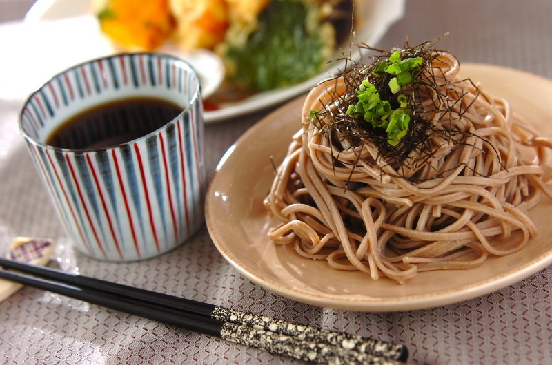 Cold soba noodles are perfect for hot summer!