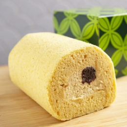 Premium Kinako (Roasted Soybean flour)  Roll Cake 300g