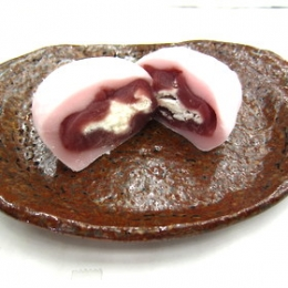 Strawberry Cream Daifuku  60g